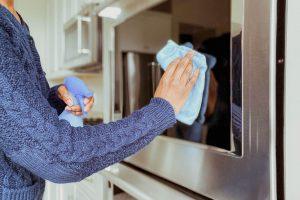 تمیز کردن ظرف شیشه ای