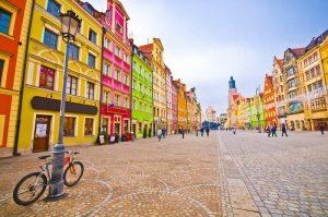 کاربرد آینه و شیشه در کشور لهستان