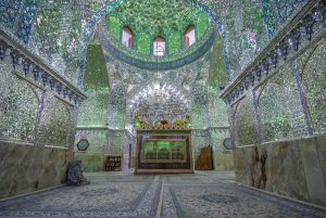 کاربرد آینه و شیشه در مساجد