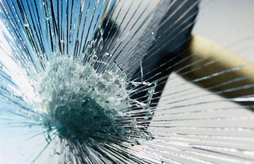 شیشه های نشکن