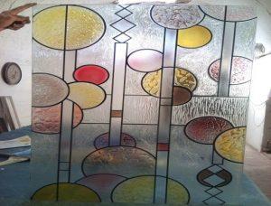 شیشه رنگی استیند گلس