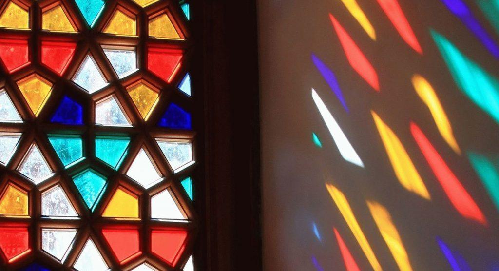 روش تولید شیشه های رنگی