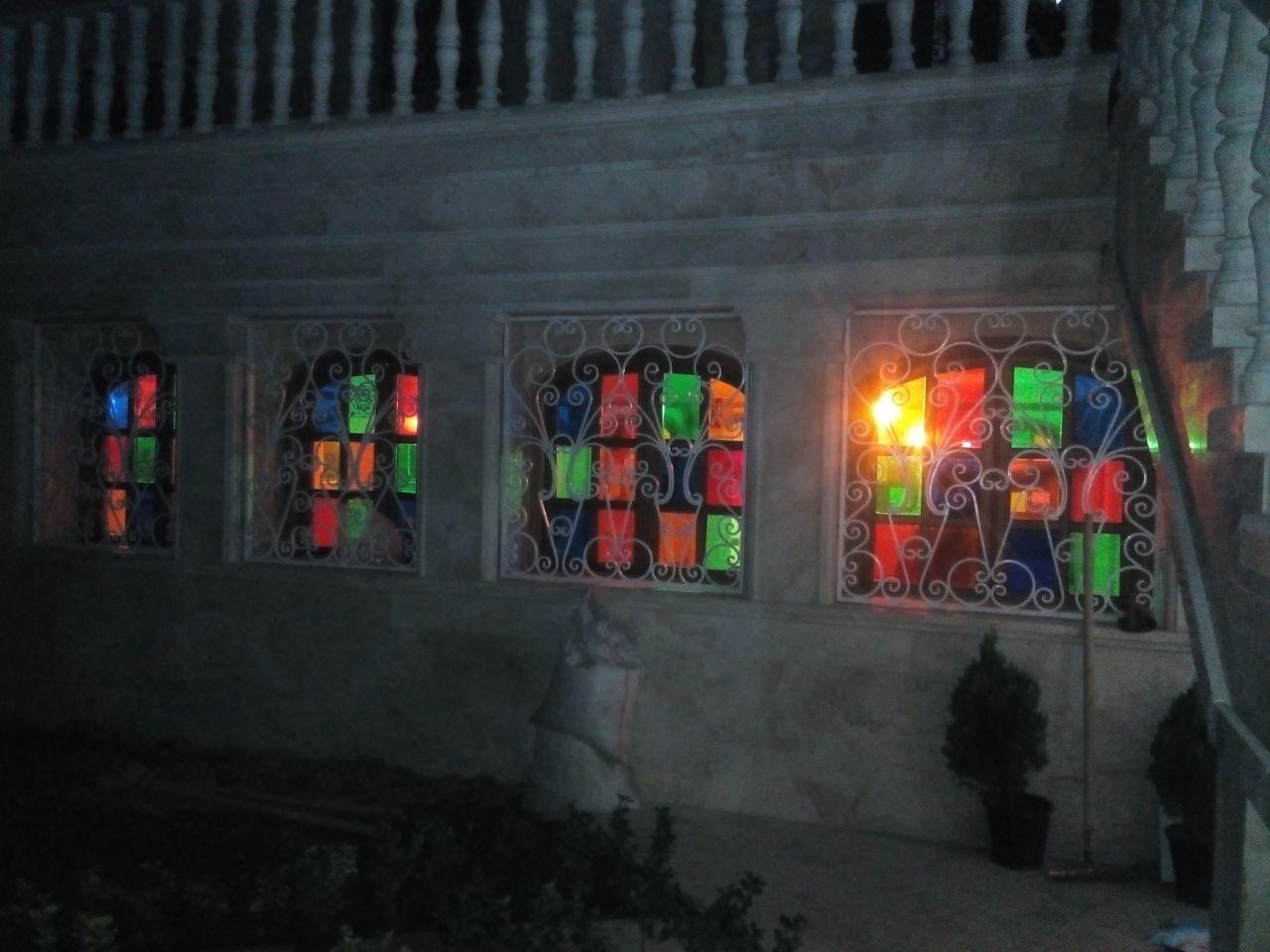 کاربرد شیشه رنگی ترنسپرنت