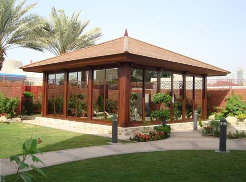 زیبایی فضای خانه با آلاچیق های شیشه ای